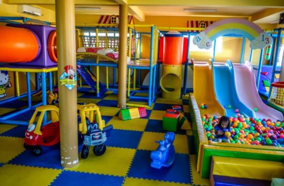 Khu vui chơi trẻ em bằng composite 02