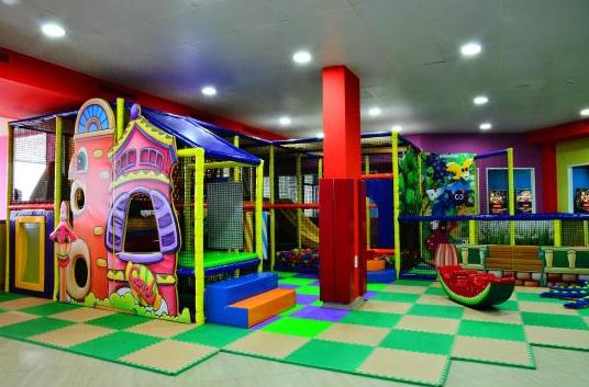 Khu vui chơi trẻ em bằng composite 04