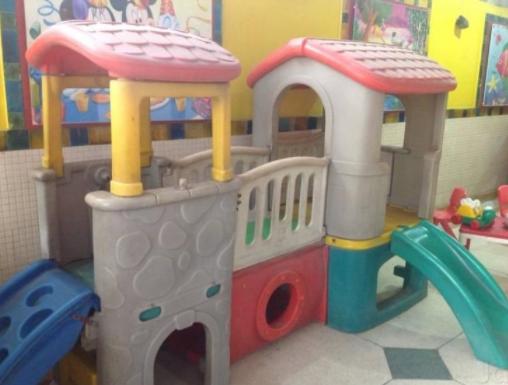 Nhà vui chơi trẻ em bằng composite 05